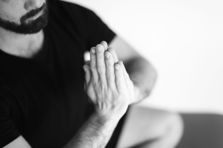 posture yoga adrien matter