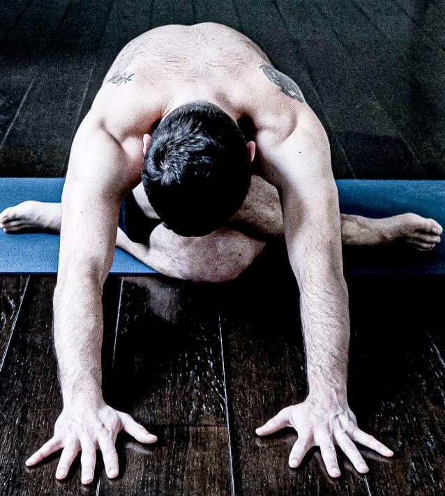 posture yoga par adrien matter